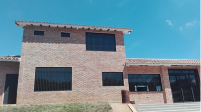 Casa Con Amplia Terreno En Venta Safari Ranch Bg 309007