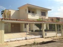 Casa-quinta En Urbanización Prebo Ii. Wc
