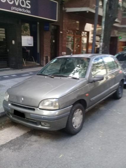 Renault Clio 1.6 Rt 5 Ptas / Nafta / 1996