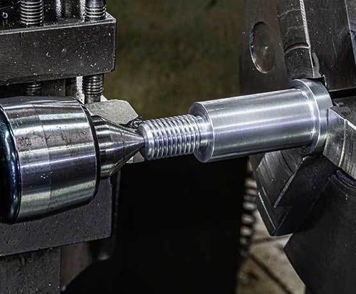 Imagem 1 de 4 de Serviço De Tornearia E Usinagem Em Geral Torno Mecanico