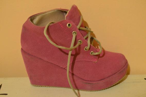 Zapatos Cerrados De Gamuza Color Fucsia