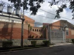 Townhouses Residencias Ykarai Obras Gris. Wc