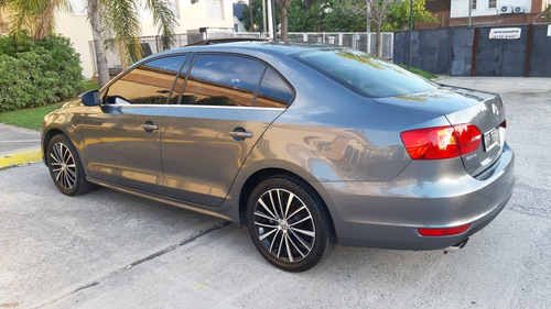 Volkswagen Vento 2.0 Tsi