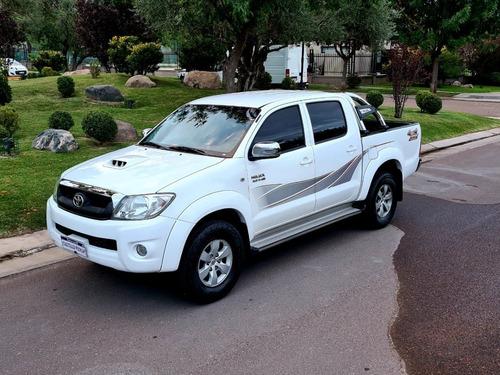 Toyota Hilux 3.0 Tdi C/d 4x4 Srv At Cuero (163cv) (l09) 2011
