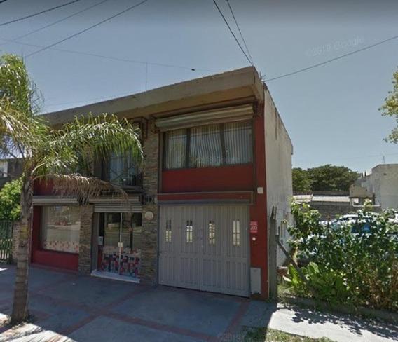 Casa Dos Habitaciones En Moreno Centro