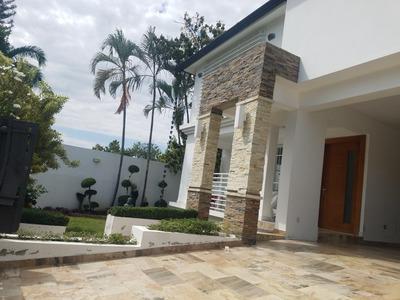 Bella Casa En Cerro Hermoso