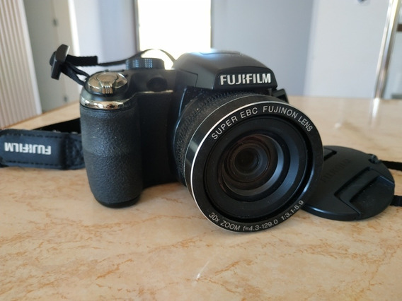 Câmera Fujifilm Finepix S 14 Mega Pixels