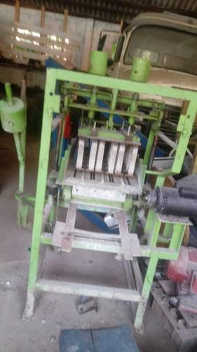 Imagem 1 de 2 de Máquina De Bloco Faz Bloco De 10e De 15 Vem Com As Tábuas