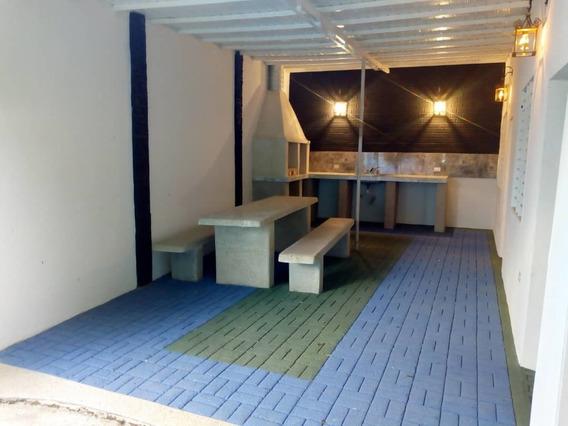 Hermosa Casa A Estrenar En Ocumare De La Costa. 04128849675