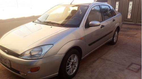 Ford Focus - Ghia 2001/relíquia.