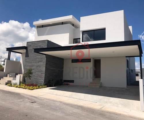 Casa De 3 Habitaciones + Cuarto De Servicio En Zibatá