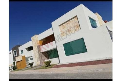Residencia En Mina Camelia, Zona Plateada, Pachuca, Hgo.