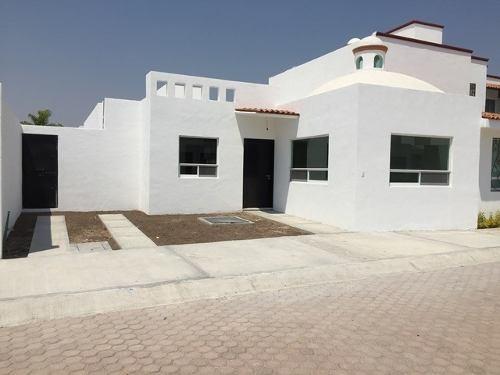 Casas Un Nivel, 2 Recámaras,casa Club, Fracc. Privado,2 Kms