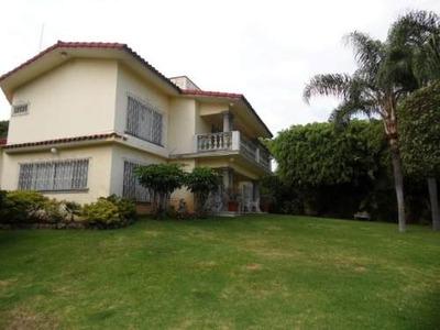 (crm-1404-103) Elegante Residencia En El Corazón De Vista Hermosa