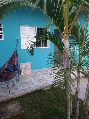Casa Em Peruíbe Próxima À Comércios E Escolas