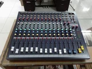 Consola Soundcraft Epm12