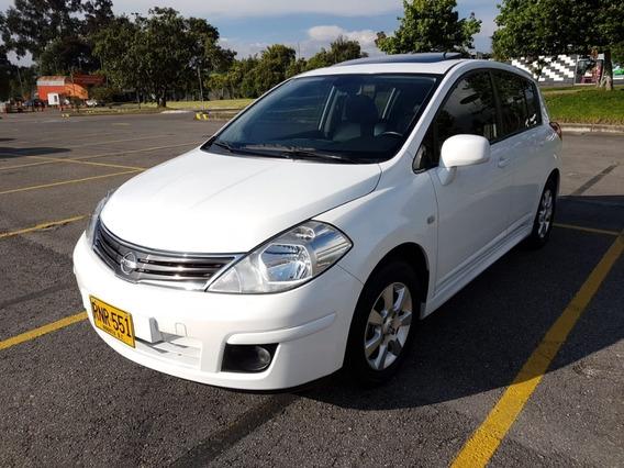 Nissan Tiida Tekna 2012