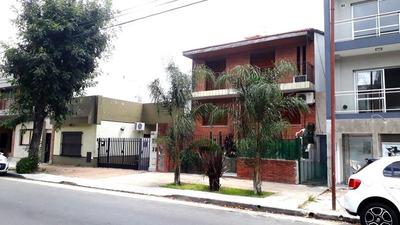 Venta Casa Tipo Dúplex 3 Ambientes Con Cochera En Liniers. Zona Residencial