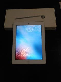 Vendo iPad 2 A1395 16gb + Teclado Apple Original Impecable!!