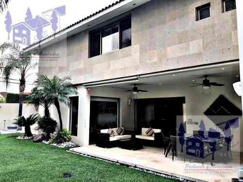 Casa En Venta O Renta En El Fraccionamiento Villas Del Lago En Cuernavaca Moreloso
