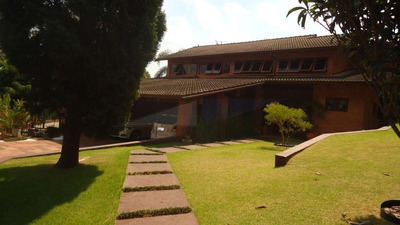 Ref: 8688 Forest Hills - Sobrado C/ 4 Dts (2 Suítes) - R$1.8 - 8688