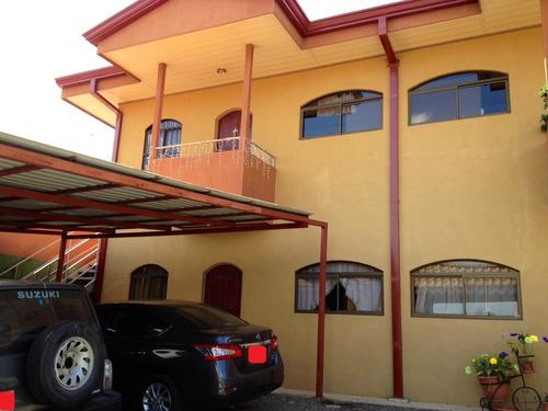 Edif/negocio Con 6 Apartamentos - Sramon