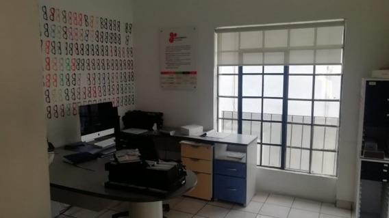 Venta Oficina Con Bodega. Col. Moderna En Francia