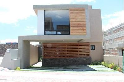 Casa En Venta En Zibata, El Marques, Rah-mx-18-336