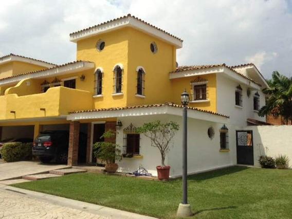 Se Vende Casa En Piedra Pintada Puerta De Hierro