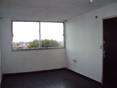 Apartamento En Alquiler De 2 Dormitorios En Malvín Norte