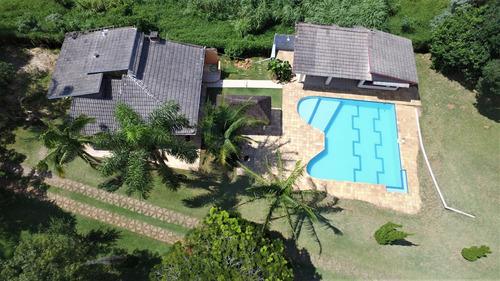 Chácara 7.300m², Casa Com 5 Suítes E Campo De Futebol