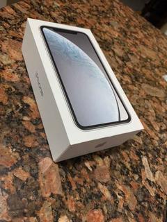 Celular iPhone Xr Branco 64gb
