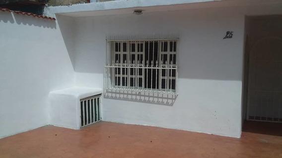 Vendo Casa En Santa Rita, Av. Alafaragua. 04128849675