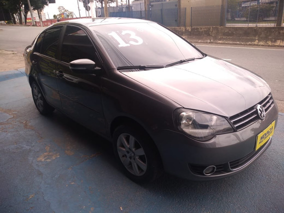 Volkswagen Polo Sedan 2013 1.6 Flex Cinza