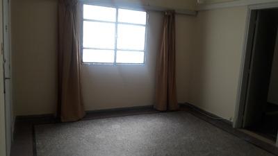 Apartamento De 2 Dormitorio, Comedor, Cocina, Baño, Balcón