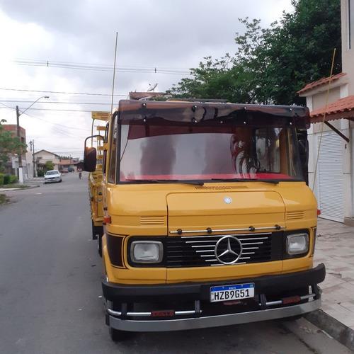Mercedes  608 D