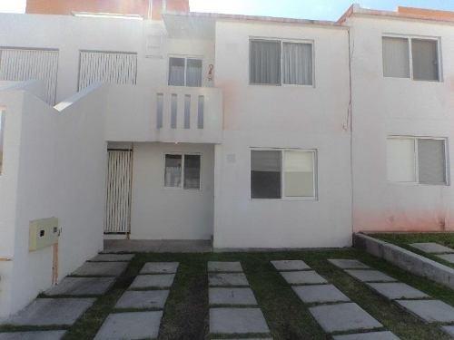 Casa En Renta San Pedrito Peñuelas,qro.condominio, Casa Duplex En Planta Baja, 2 Habitaciones 1 Auto