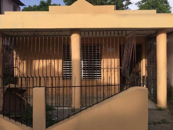 Casa De Oferta En Bonao