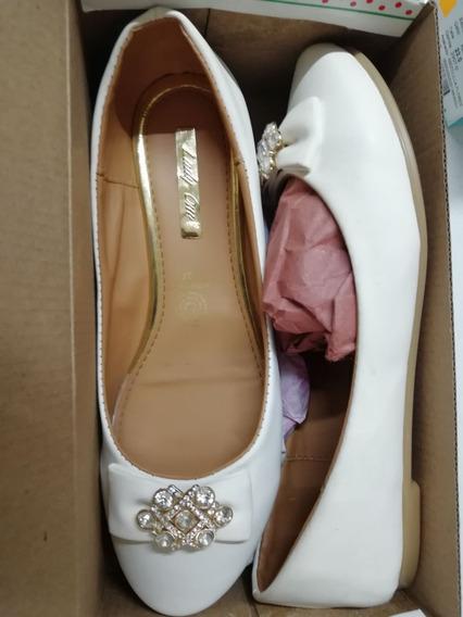 Zapato Blanco Flats Con Accesorio Brillante