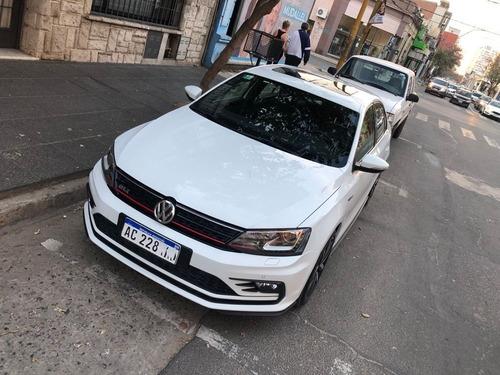 Imagen 1 de 12 de Volkswagen Vento Gli  2.0 Tsi 211cv App Connect + Nav