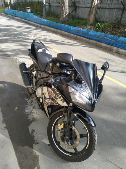 Yamaha R15 Versión 1