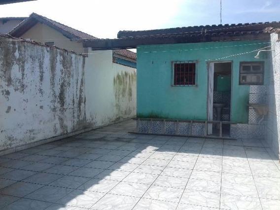 Casa Na Praia, 2 Quartos, Rua Calçada, Ótimo Bairro!