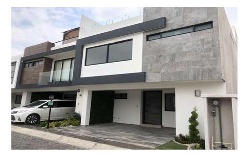 Casa En Venta En Fraccionamiento Monte Olivo Zona Plaza Explanada
