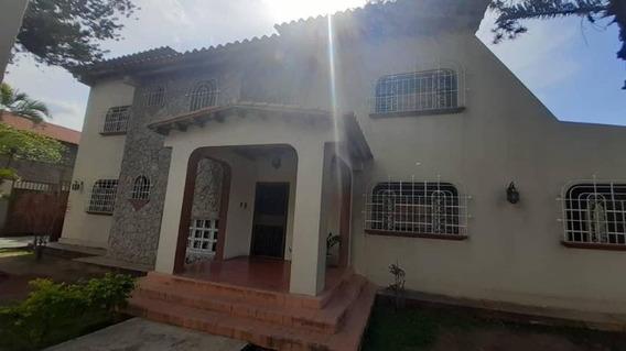 Casas En Venta Av Rotaria Barquisimeto, Lara Rahco