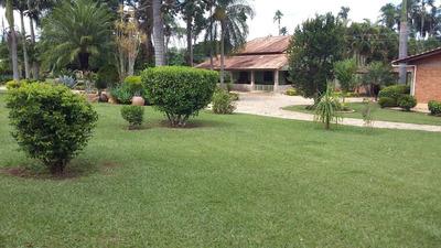 Em Santa Cruz De Goiás