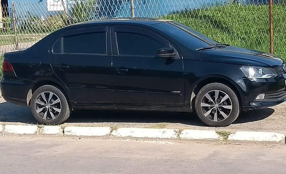 Volkswagen Voyage Sedã 2014 Completo A Gás,aro15 Doc Ok