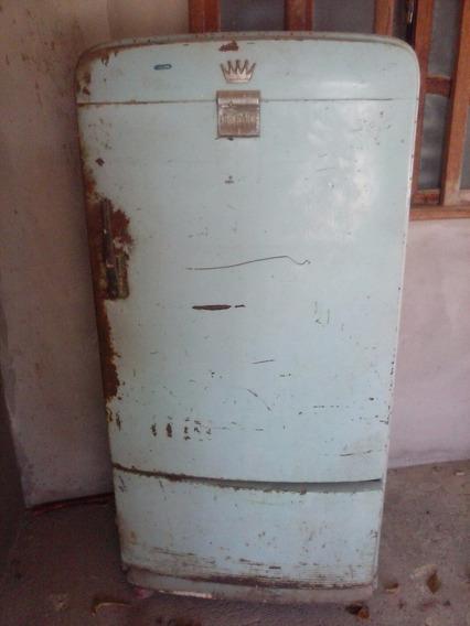 Geladeira Antiga Para Restauração, Marca Frigidaire.