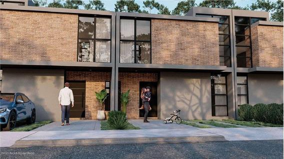 Casa En Venta En Zibata, El Marques, Rah-mx-20-3821