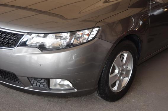 Kia Cerato Forte 1.6 Mec Lx Sedan Ixo655
