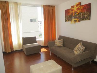Apartamento Amoblado De 2 Dormitorios, Quito Centro Norte